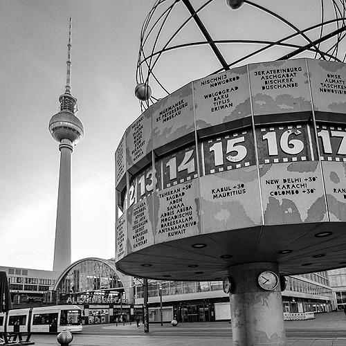 Alexanderplatz Berlin mit Funkturm und Weltzeituhr