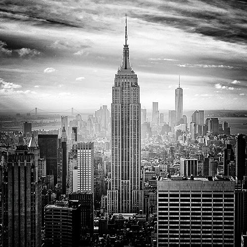 Empire State Building und Skyline von New York