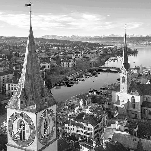 Stadtansicht Zürich: Stadtturm , Lac Leman und Blick auf die Alpen